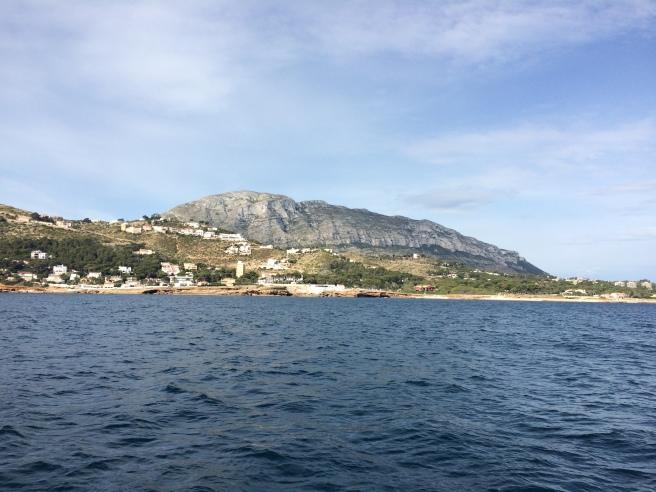 El Montgó desde el mar